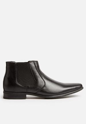 Watson Shoes Colton Leather Chelsea Boots Black
