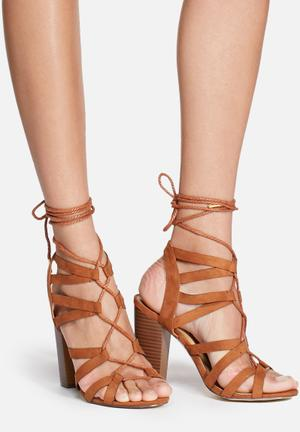 Madison® Jules Heels Tan