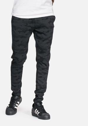 Jack & Jones CORE Camo Tight Joggers Sweatpants & Shorts Black