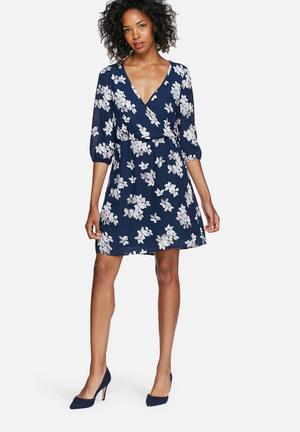 Vero Moda Dolly Dress Casual Navy, White & PInk