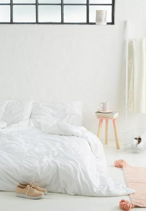 Sixth Floor Anglaise Duvet Set Bedding 200tc Cotton