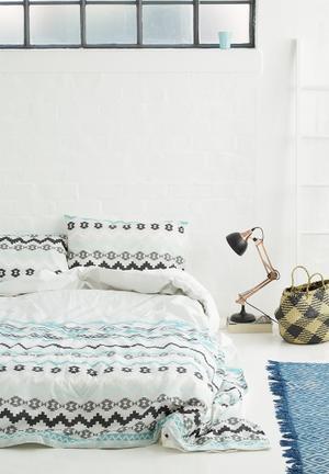 Sixth Floor Salem Duvet Set Bedding 100% Cotton