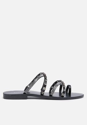 Zoom Aria Sandals & Flip Flops Black