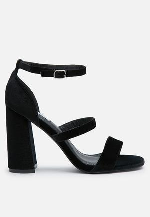 Cape Robbin Sol Heels Black