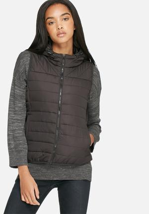 ONLY Marit Quilted Sleeveless Jacket Black