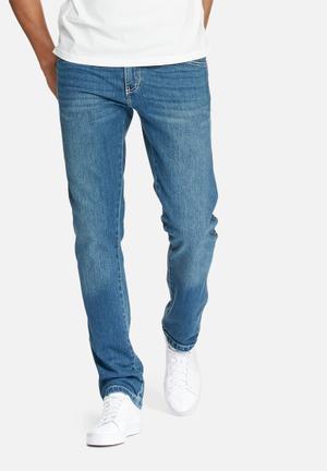Wrangler Vegas Slim Fit Jeans Blue