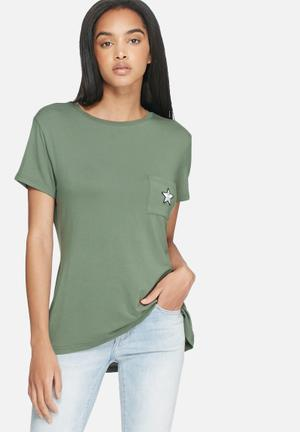 Dailyfriday Front Pocket Badge Tee T-Shirts, Vests & Camis Khaki
