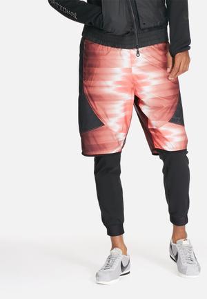 Nike International Shorts Red / Black