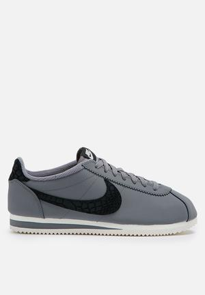 Nike Classic Cortez Leather SE Sneakers Cool Grey / Black / Sail