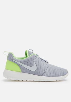 Nike Nike Roshe One SE Sneakers Wolf Grey / Sail / Ghost Green