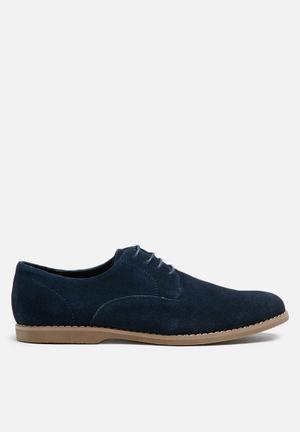 Billie  Bronson Formal Shoes Navy