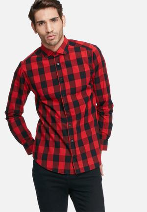 Basicthread Check Slim Fit Shirt Black & Red
