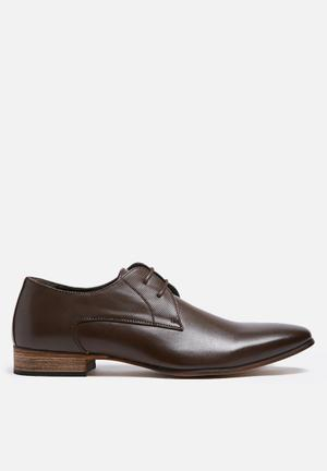 Uncut Chartwell Formal Shoes Brown