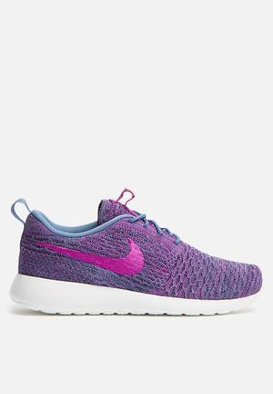 Nike Roshe One Flyknit Sneakers Ocean Fog / Vivid Purple / College Navy