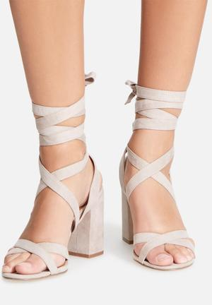 Therapy Stirred Heels Soft Beige