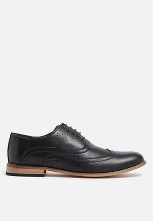 Charles Southwell Irwell Formal Shoes Black