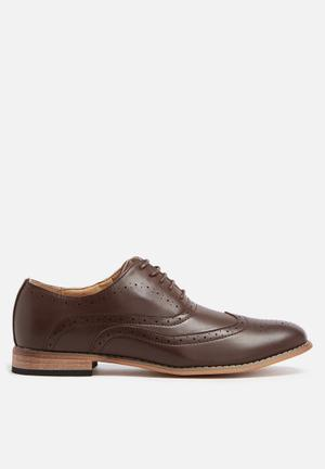 Charles Southwell Irwell Formal Shoes Brown