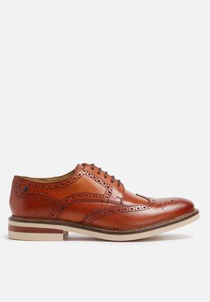 Base London Apsley Leather Brogue Formal Shoes Tan