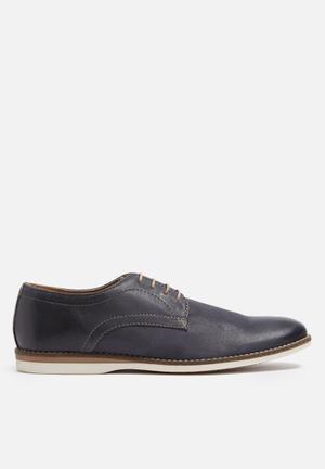 Base London Brew Leather Shoe Navy