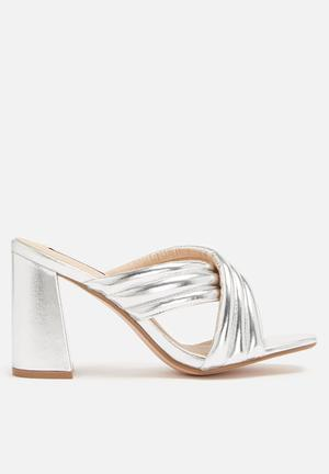 Cape Robbin Sister Heels Silver
