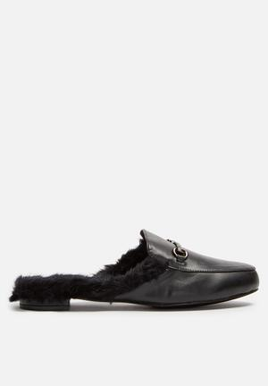 Cape Robbin Adel Pumps & Flats Black