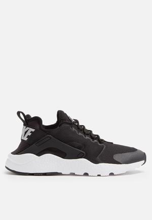 Nike W Air Huarache Run Ultra Sneakers Black / White