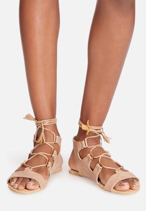 Billini Luca Sandals & Flip Flops Nude