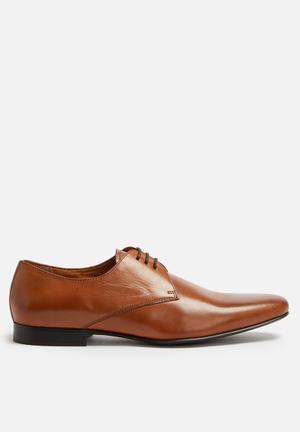 Steve Madden Notting Formal Shoes Tan