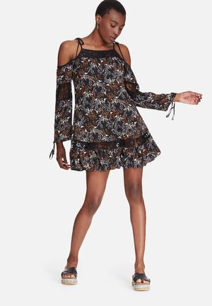 Glamorous Floral Cold Shoulder Dress Formal Black