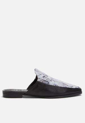 Sol Sana Kimmy Slide Pumps & Flats Black & White