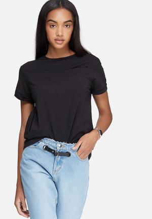 Daisy Street Relaxed Pocket T-shirt Black