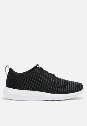 Nike Roshe Two Flyknit Sneakers Black / Dark Grey / Volt