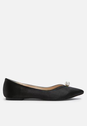 Daisy Street Pearl Flats Black