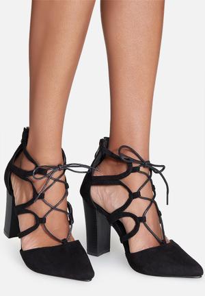 Cape Robbin Beautiful Heels Black