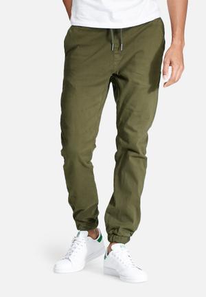 Basicthread Blaze 2 Slim Fit Jogger Pants & Chinos Olive