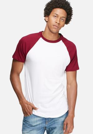 Basicthread Plain Raglan Tee T-Shirts & Vests White & Burgundy