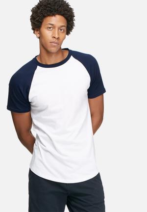 Basicthread Plain Raglan Tee T-Shirts & Vests Navy & White