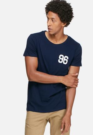 Basicthread Graphic Scoop Tee T-Shirts & Vests Navy