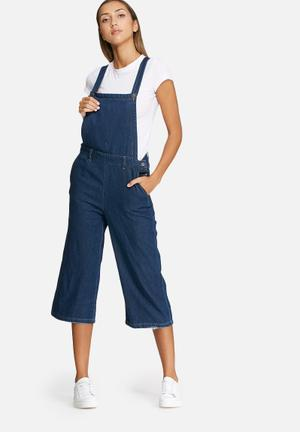 Vero Moda Grace Cropped Denim Dungaree Jumpsuits & Playsuits