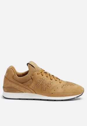 New Balance  MRL996DL Sneakers Tan