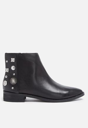 E8 By Miista Reyes Boots Black