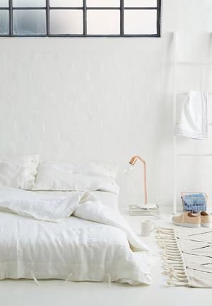 Sixth Floor Rope Knot Closure Duvet Set Bedding 100% Linen