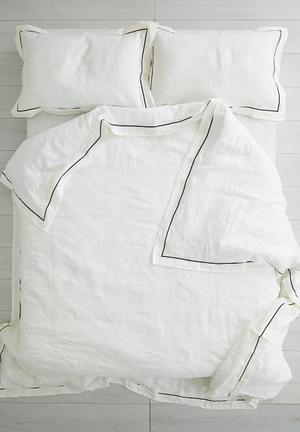 Sixth Floor Frey Edge Duvet Set Bedding 100% Linen