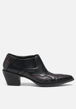 Glamorous Helen Western Boot Black