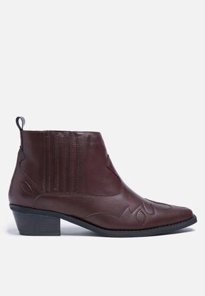 Glamorous Theresa Western Boot Burgundy