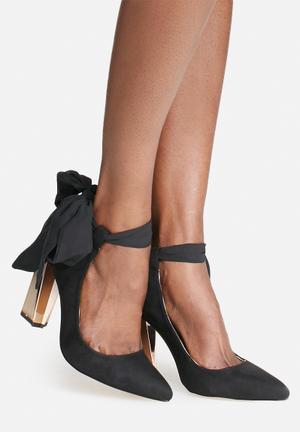 Glamorous Charlotte Wrap Heel Black