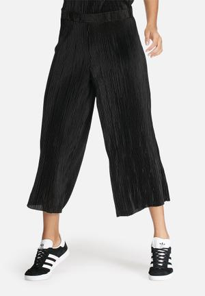 Dailyfriday Plissé Culottes Trousers Black