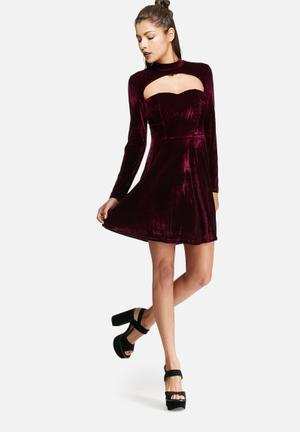 Glamorous Open Chest Velvet Dress Occasion Burgundy