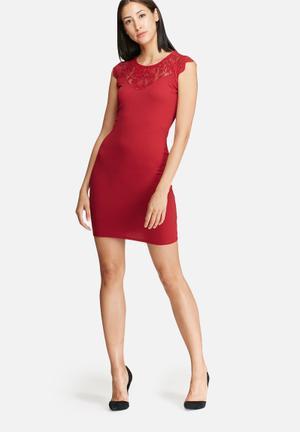 ONLY Elenta Dress Formal Red