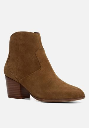 ALDO Marecchia Boots Light Brown